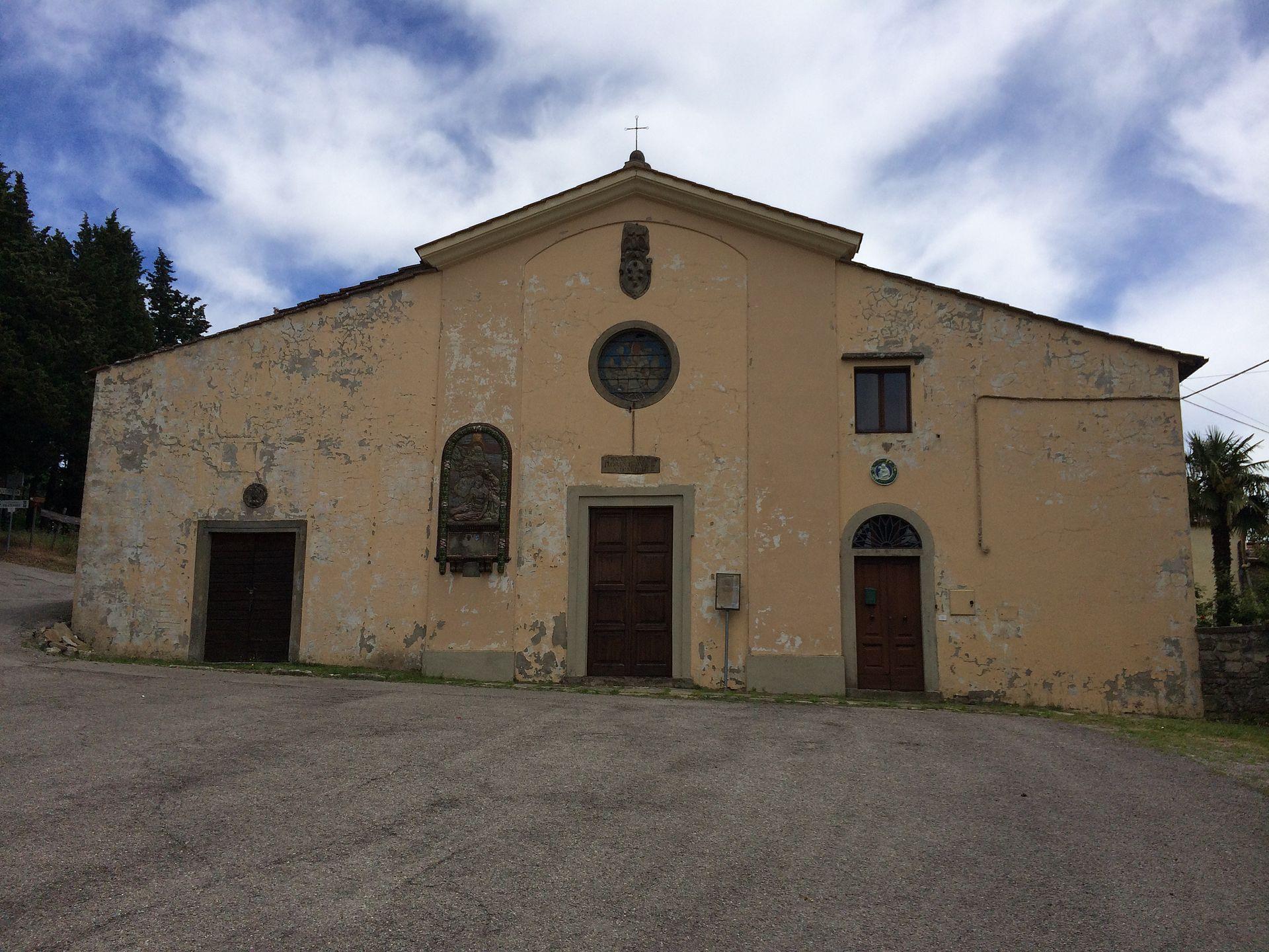 La facciata della Pieve di S. Eustachio in Acone