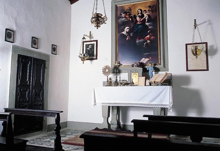 L'interno della Cappella di Castel d'Acone