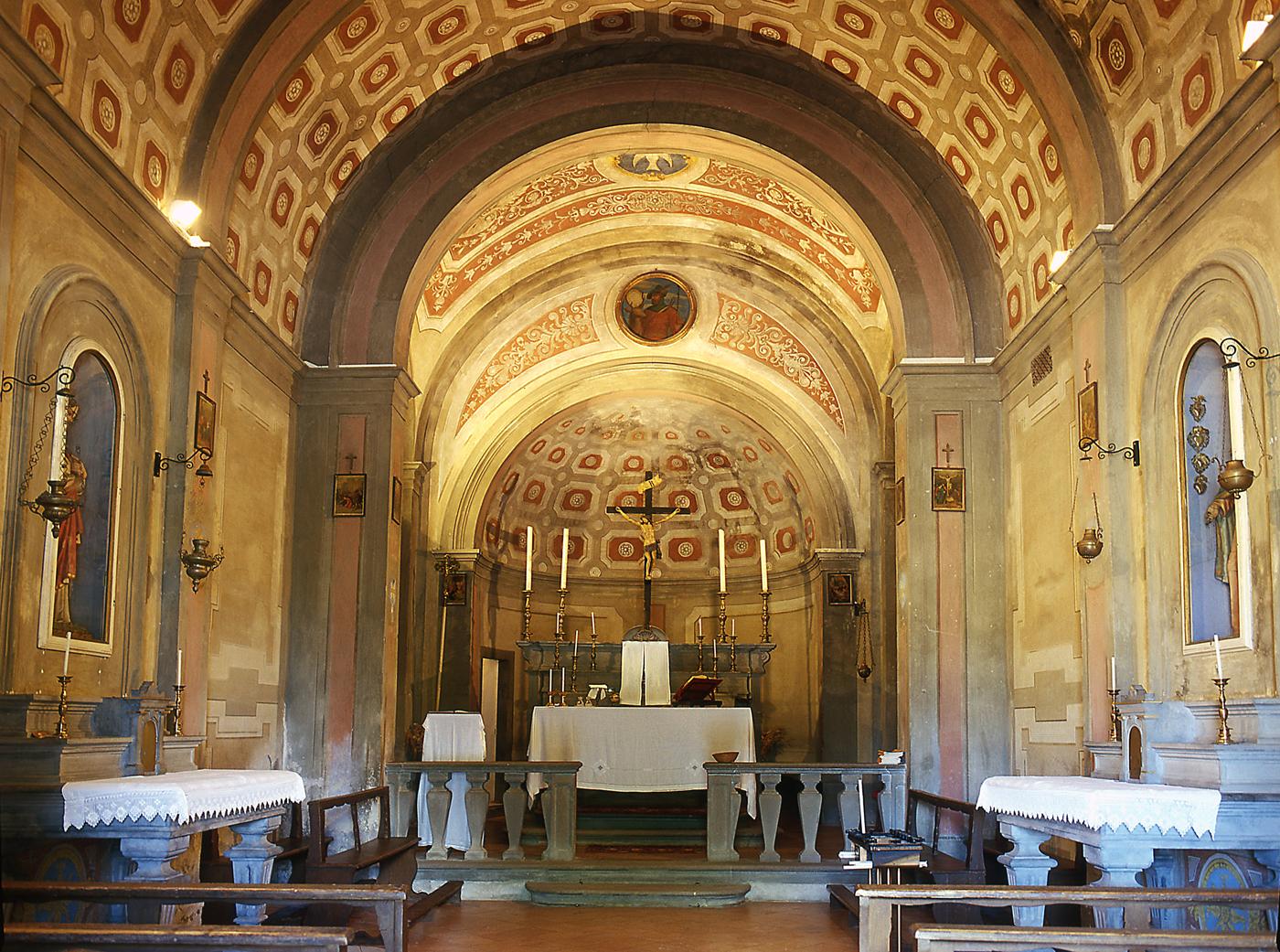Interno della Pieve di S. Eustachio in Acone