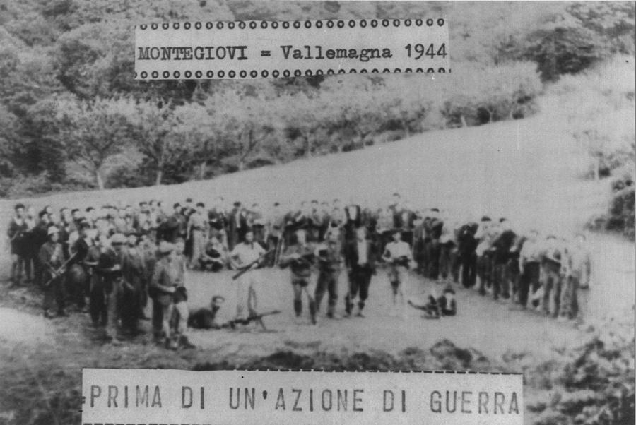 Partigiani su Monte Giovi in una fotografia del 1944